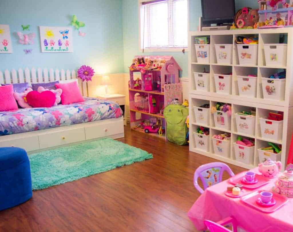An organized playroom clutterbug me for How to organize a small room